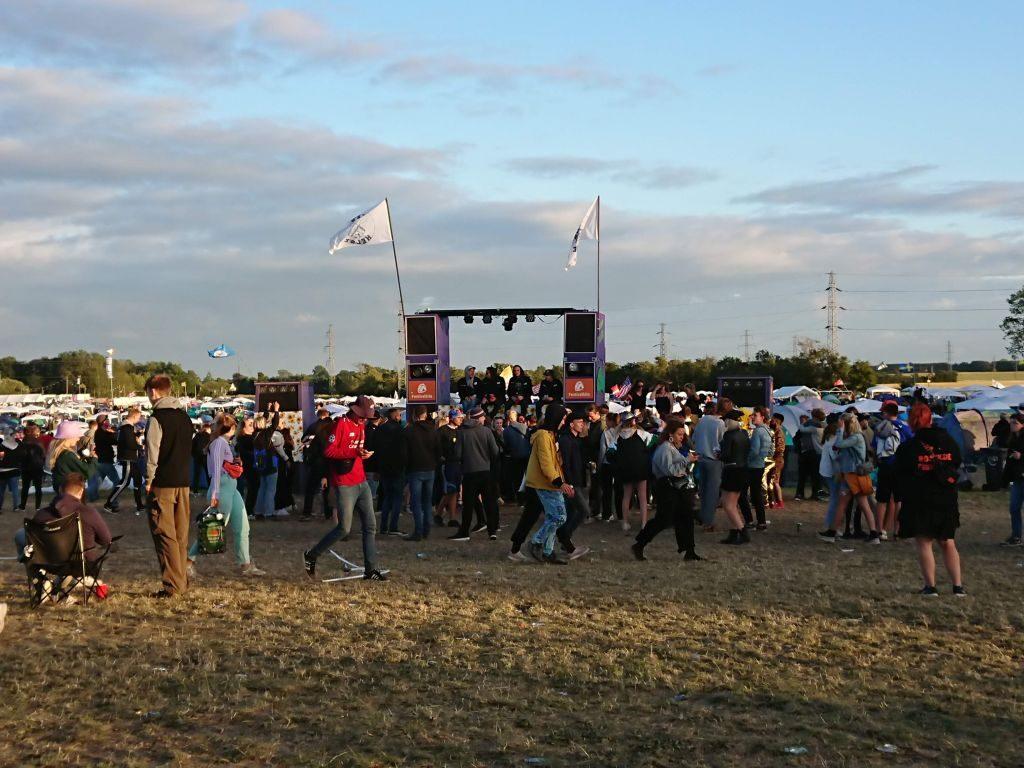 Fest i et at campingområderne i Warm up-dagene. Roskilde Festival 2019.