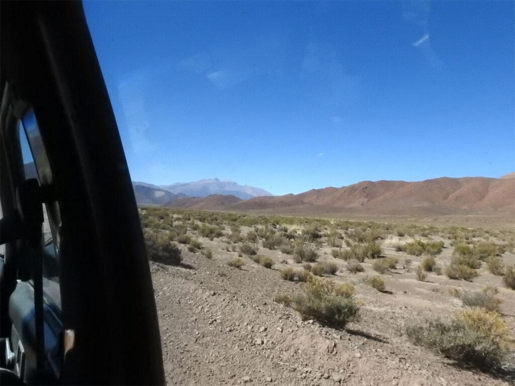 Vi forsøgte at finde Lille Nandu men vi kørte ad en lang bumpet grusvej.